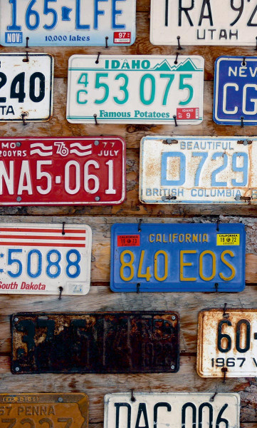 Vlies Fototapete amerikanische Autokennzeichen 150x250