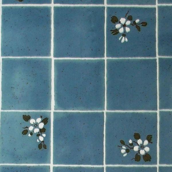 Tapete selbstklebend blaue Fliesen weiße Blüten Details