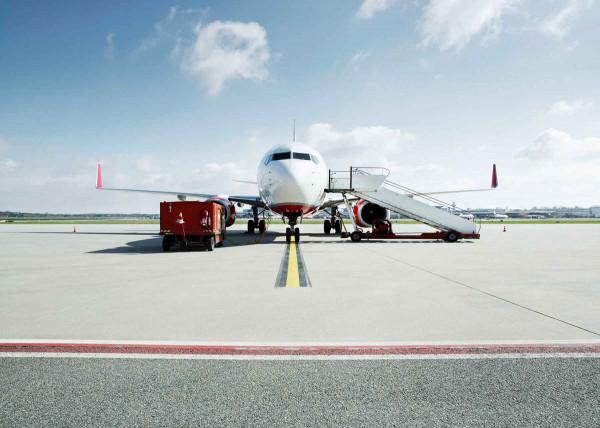 Vliestapete Fototapete Landebahn Flugzeug