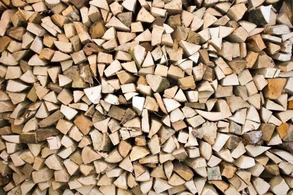 Vliestapete Brennholz 375x250