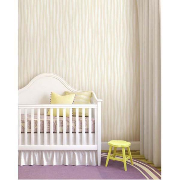 Tapete selbstklebend Seideneffekt cremegelb Babyzimmer