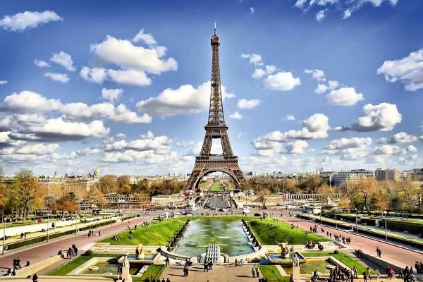 Vliestapete Blick zum Eiffelturm 375x250
