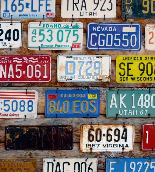 Vliestapete amerikanische Autokennzeichen 225x250